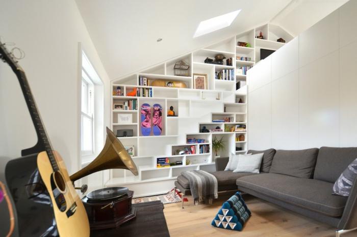 meubles-sous-pente-intérieur-artistique-étagère-blanche-en-pente