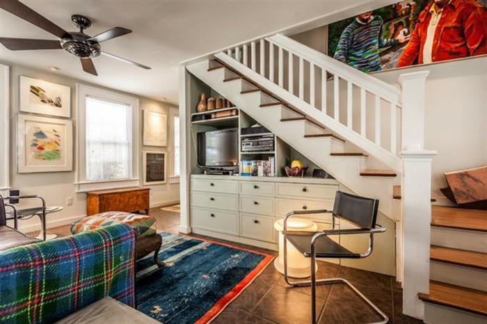 meubles-sous-pente-joli-intérieur-et-mobilier-sur-mesure