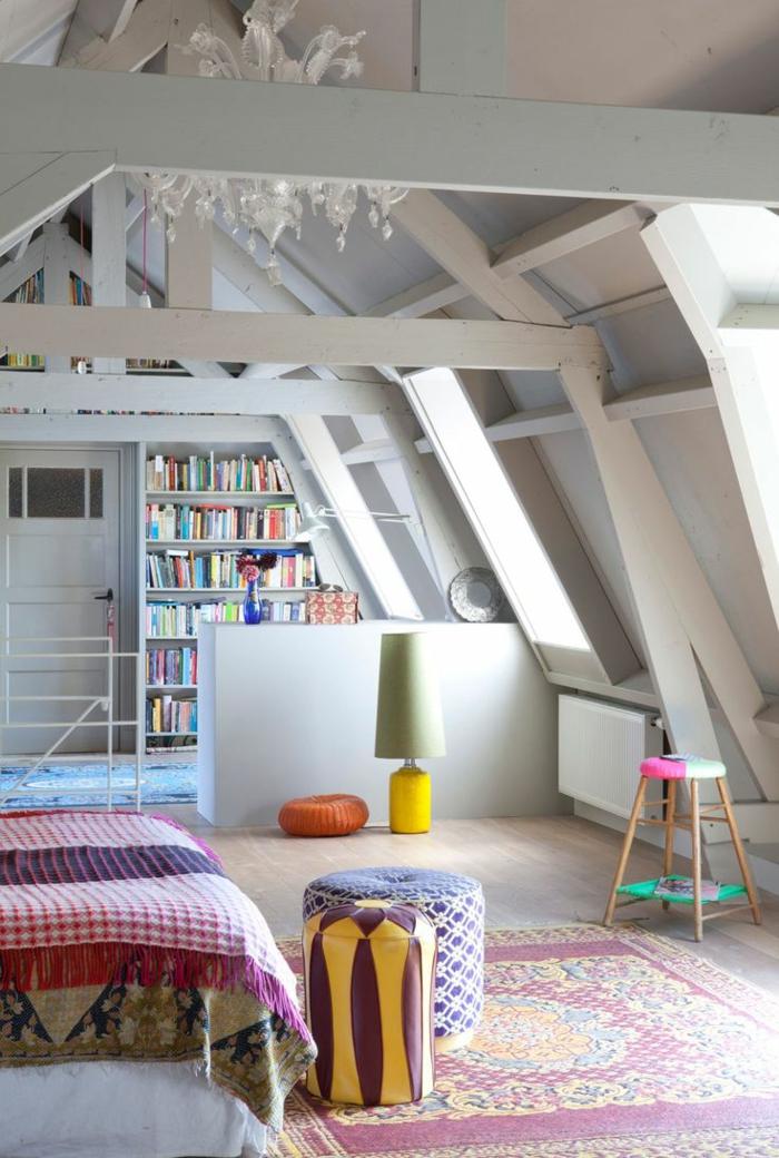 meubles-sous-pente-meuble-bibliothèque-sous-les-combles