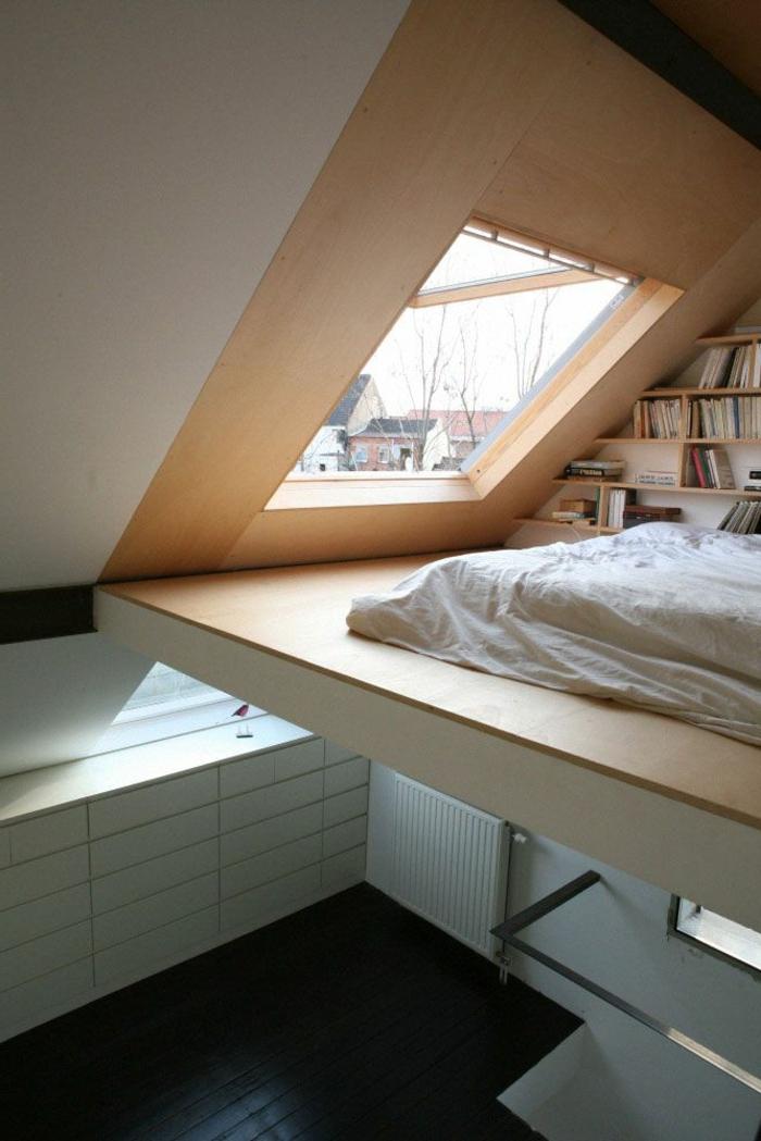 meubles-sous-pente-petite-bibliothèque-et-lit-unique-sous-les-toits