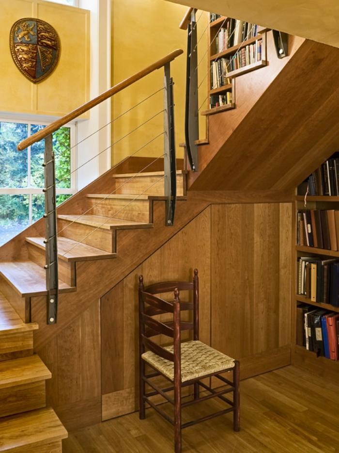 meubles-sous-pente-rangement-sous-escalier-placard-en-bois