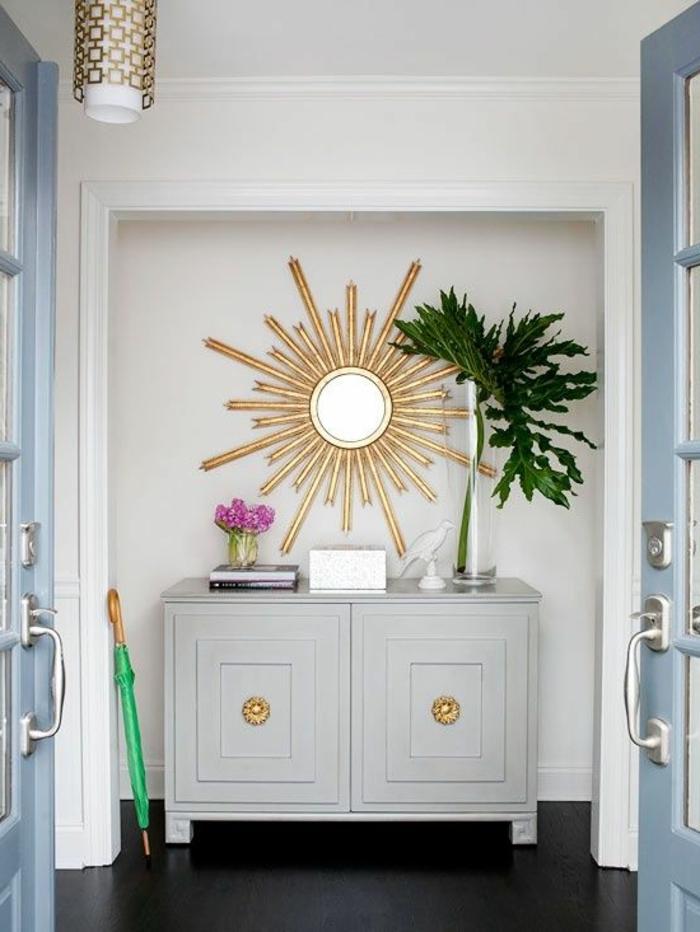 miroir-décoratif-alinea-miroir-desgn-pas-miroir-en-forme-de-soleil-meubles-dans-le-couloir