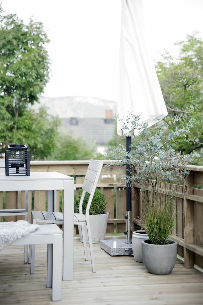Le parasol de balcon en 50 variantes for Solde plante interieur