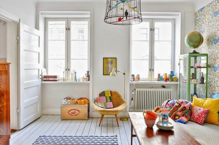parquet-blanc-accents-colorés-suspension-cage