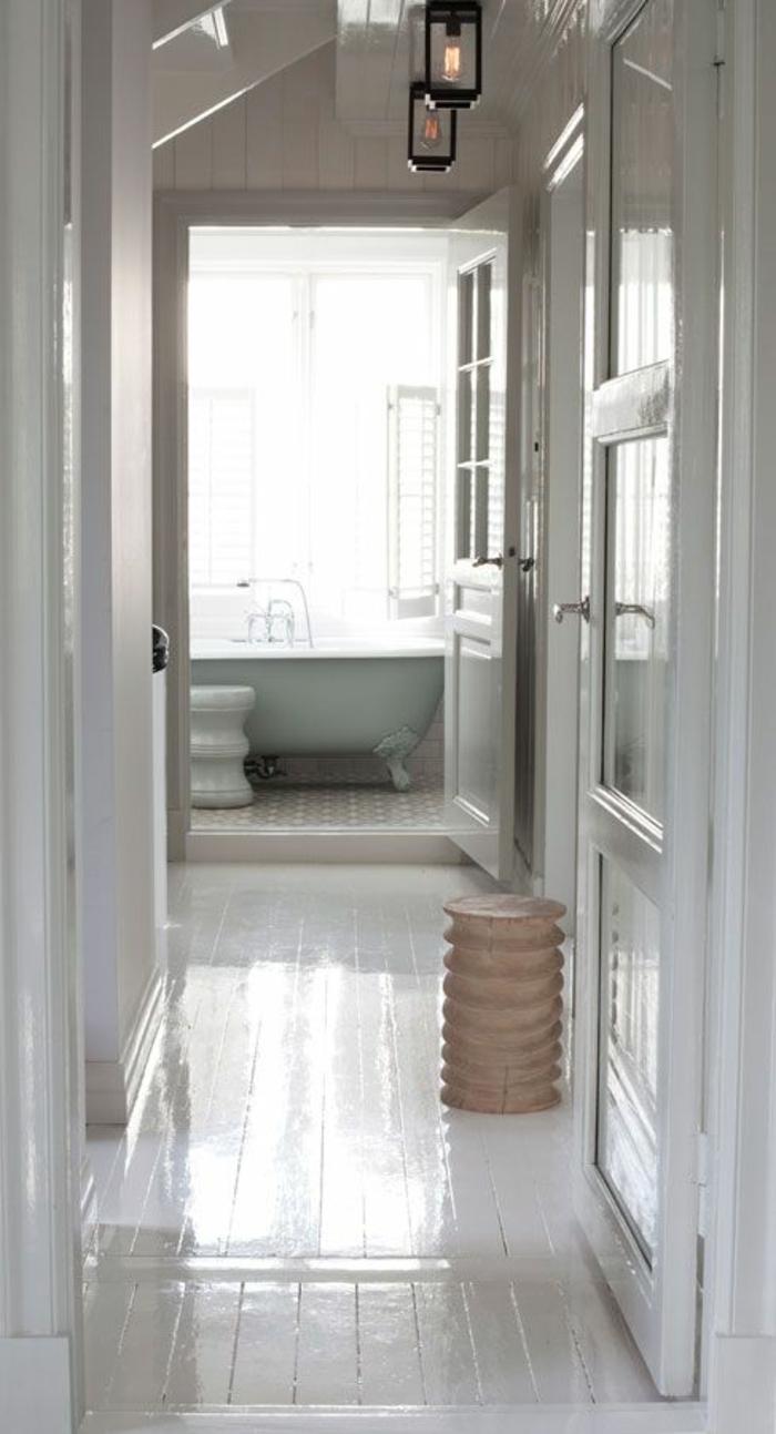 parquet-blanc-sol-blanc-laqué-couloir