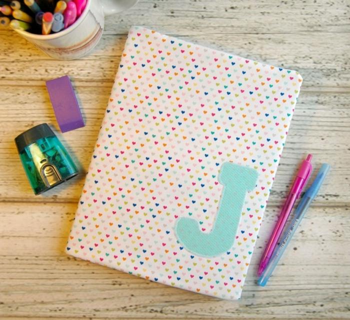 personnalisation-cahier-cool-idée-original-cahier-personnalisable-cahiers-lettre
