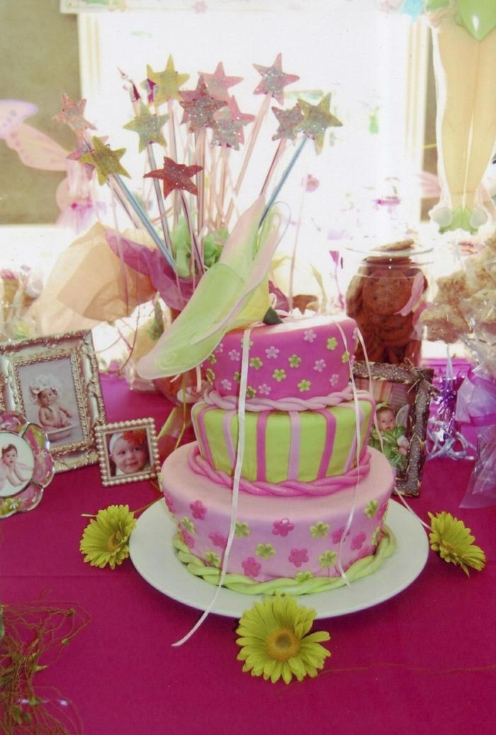 photo-gateau-anniversaire-fille-comment-faire-à-soi-même-idée-gâteau-originale-bébé