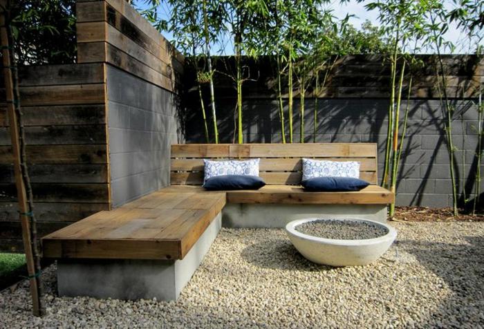 planter-des-bambous-beau-patio-avec-bambous-plantés