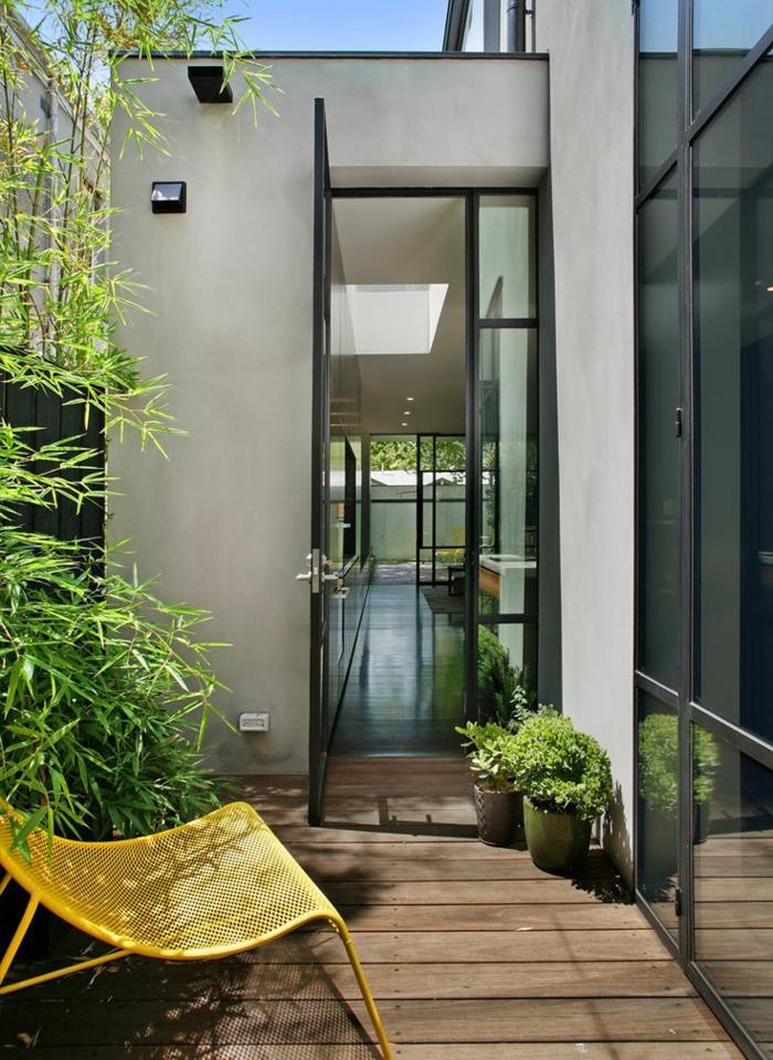 planter-des-bambous-près-des-maisons