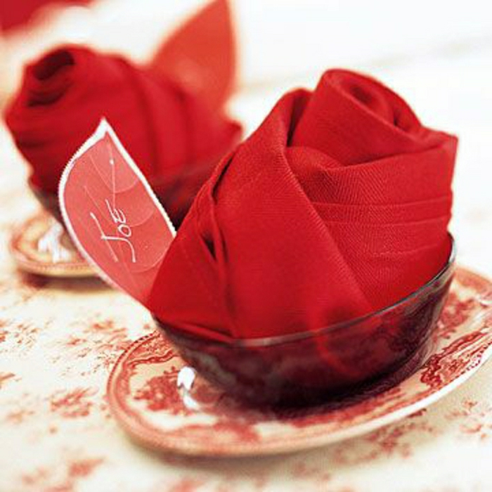 pliage-serviette-fleur-rouge-pliage-papier-rouge-mode-de-pliage-rouge-serviette