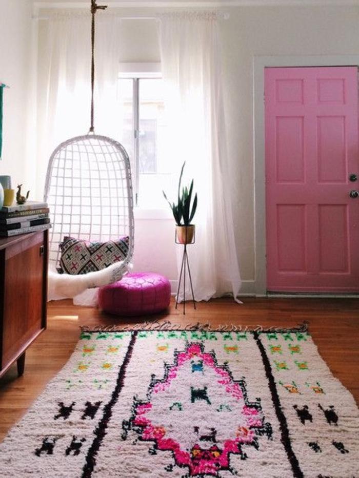 quel-type-de-tapis-saint-maclou-à-coisir-pour-le-salon-intérieur-rose-blanche