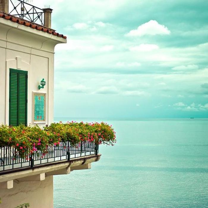quelle-idee-pour-amenagement-de-balcon-quel-fleur-choisir-pour-le-balcon