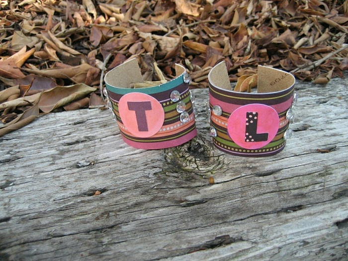 recycler-le-rouleau-de-papier-toilette-bracelets