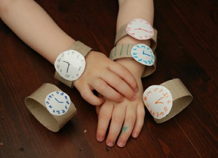 recycler-le-rouleau-de-papier-toilette-comment-faire-une-montre-en-carton