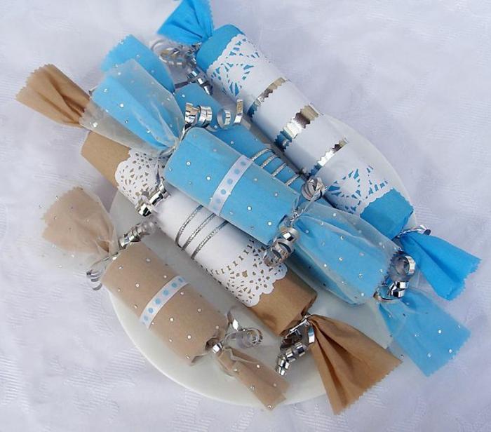 recycler-le-rouleau-de-papier-toilette-des-bonbons-de-fête