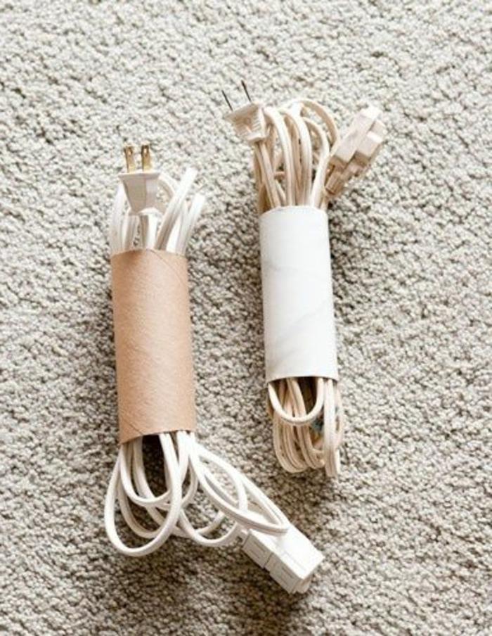 recycler-le-rouleau-de-papier-toilette-organiser-et-ranger-les-cables
