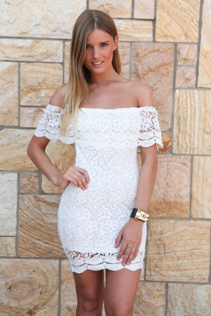 robe-blanche-dentelle-style- vetements-chics-pour-l-été-mur