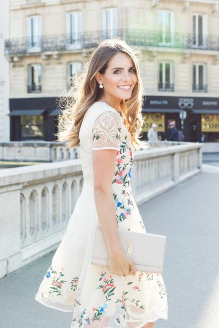 robe-blanche-dentelle-style- vetements-chics-pour-l-été-paris