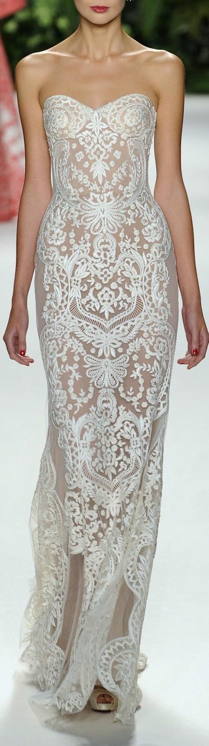 robe-fluide-habillée-de-couleur-blanc-pour-les-femmes-modernes