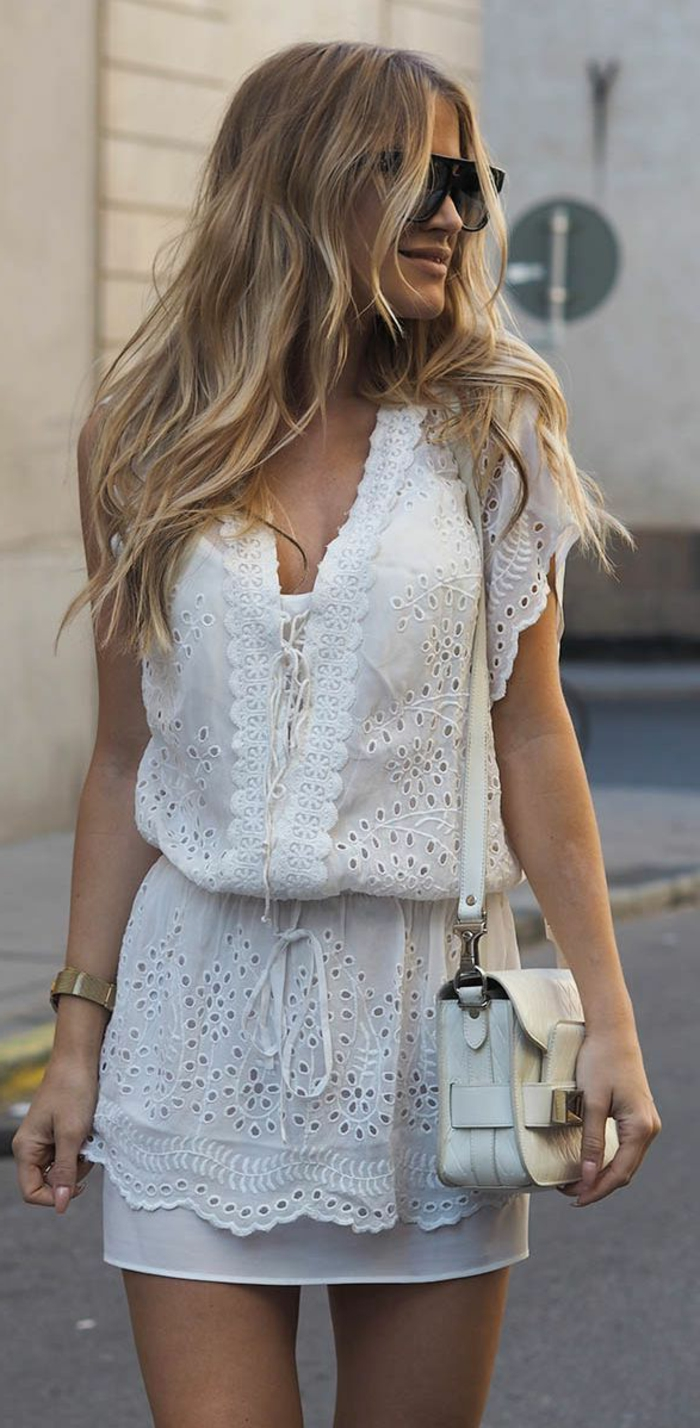 robe-longue-blanche-dentelle-vetements-style-veste-cuir-belle