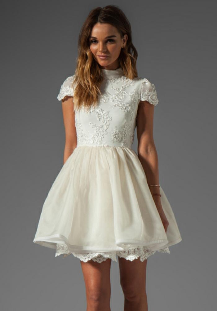 70 id es avec la robe blanche dentelle en tendance for Longues robes de veste pour les mariages