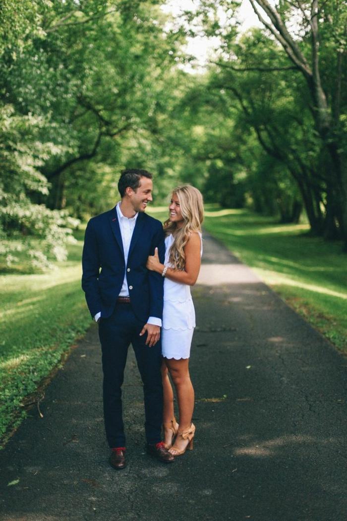 robe-pour-fiancaille-robe-de-fiancaille-courte-accessoires-classique-blanche-robe