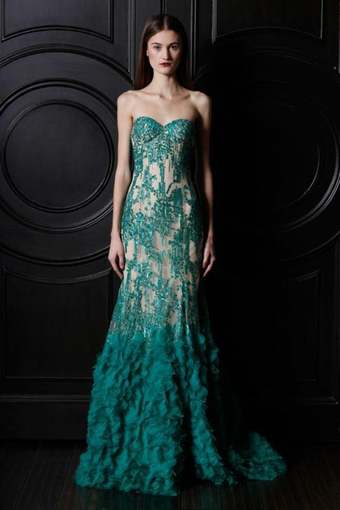 robes-habillees-de-couleur-vert-foncé-toujours-à-la-mode-pour-tous-les-femmes