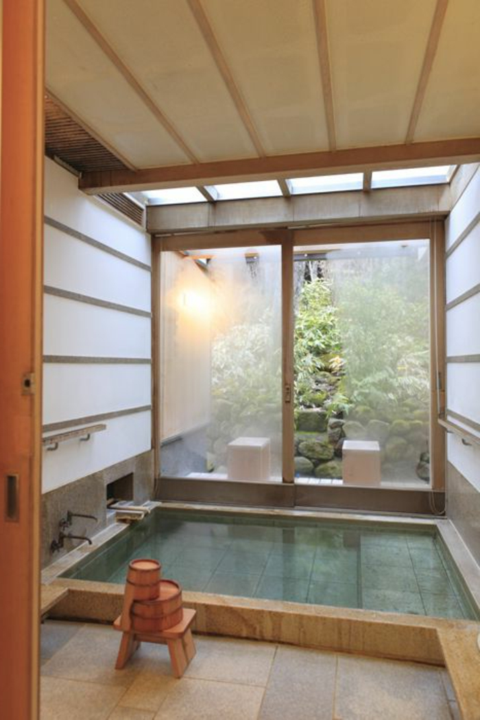 Decoration interieur maison japonaise for Salle de bain japonaise traditionnelle