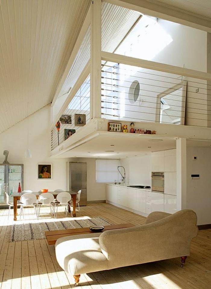 salle-de-séjour-en-bois-canapé-beige-dans-la-salle-de-séjour-sol-en-parquette-clair