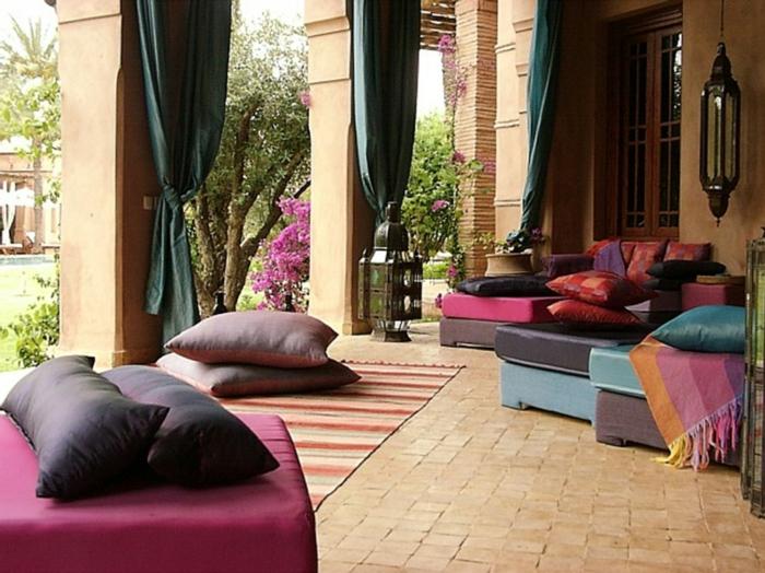 Le canap marocain qui va bien avec votre salon - Tableau decoration salon pas cher ...