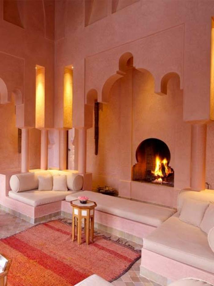 salon-oriental-sedari-marocain-décoration-salon-moderne-cheminée-orientale