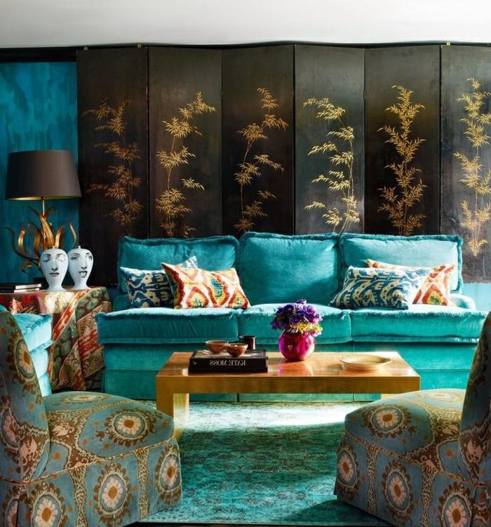 salon-oriental-sedari-marocain-décoration-salon-moderne-decoration-en-bleue-et-dorée