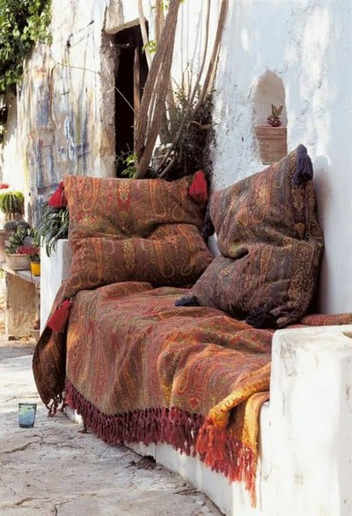 Le canap marocain qui va bien avec votre salon for Sedari marocain 2015