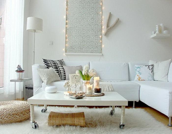 salon-scandinave-table-lisse-et-tapis-moelleux