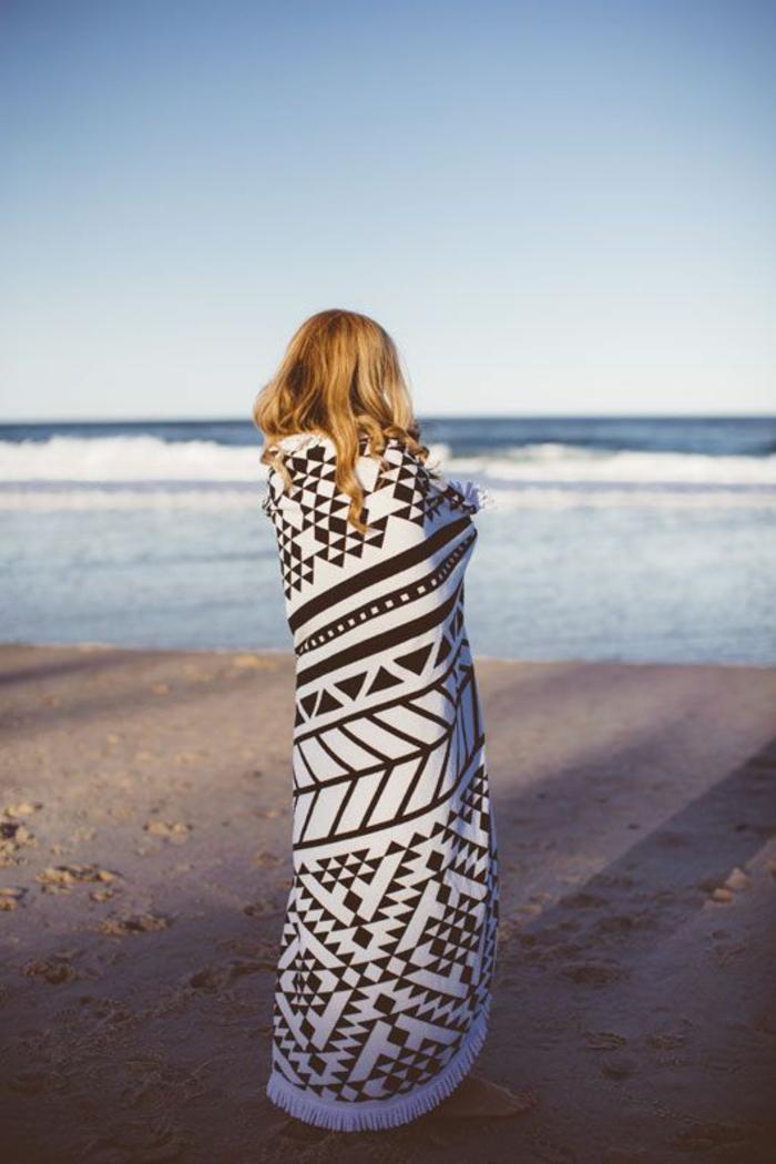 serviette-de-plage-banana-moon-articles-de-plage-accessoires-the-beach-towel-resized