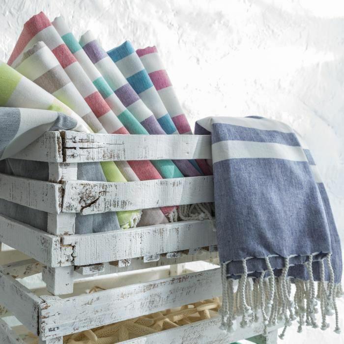 la serviette de plage 80 variants chic et originales. Black Bedroom Furniture Sets. Home Design Ideas
