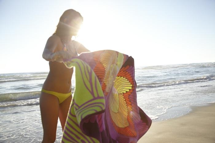 serviettes-de-plage-draps-de-plage-grande-serviette-de-plage-serviette-de-plage-double-couleurs-resized