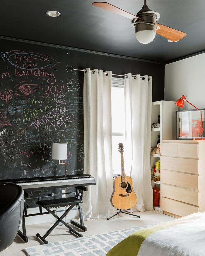 stickers-muraux-ardoise-tableau-noire-cadres-déco-peinture-sur-ardoise-chambre-ado-musique-thème