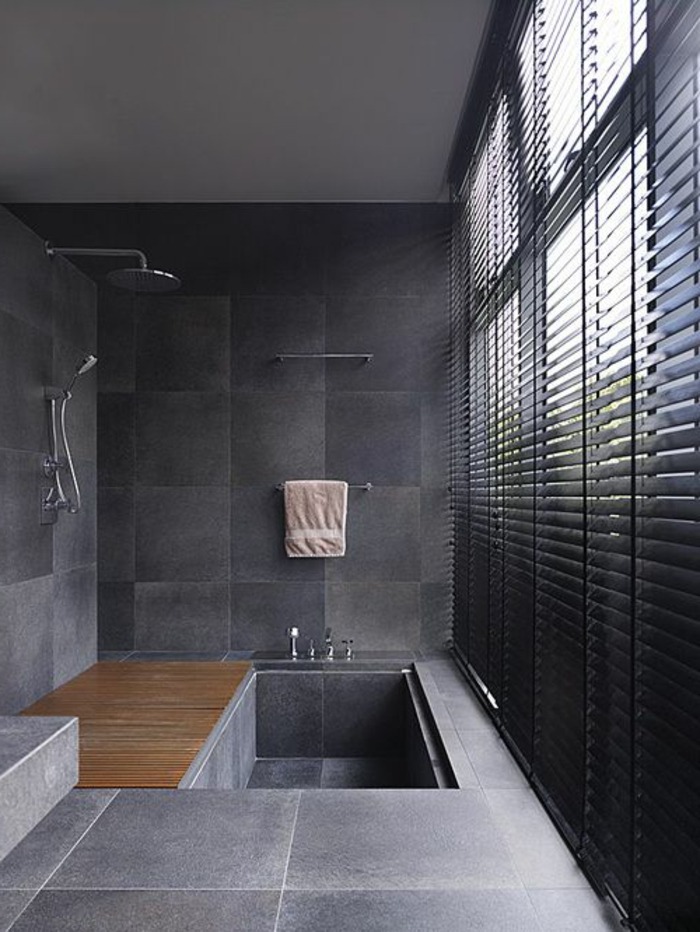 Les stores v nitiens en 50 photos for Salle de bain carrelage gris