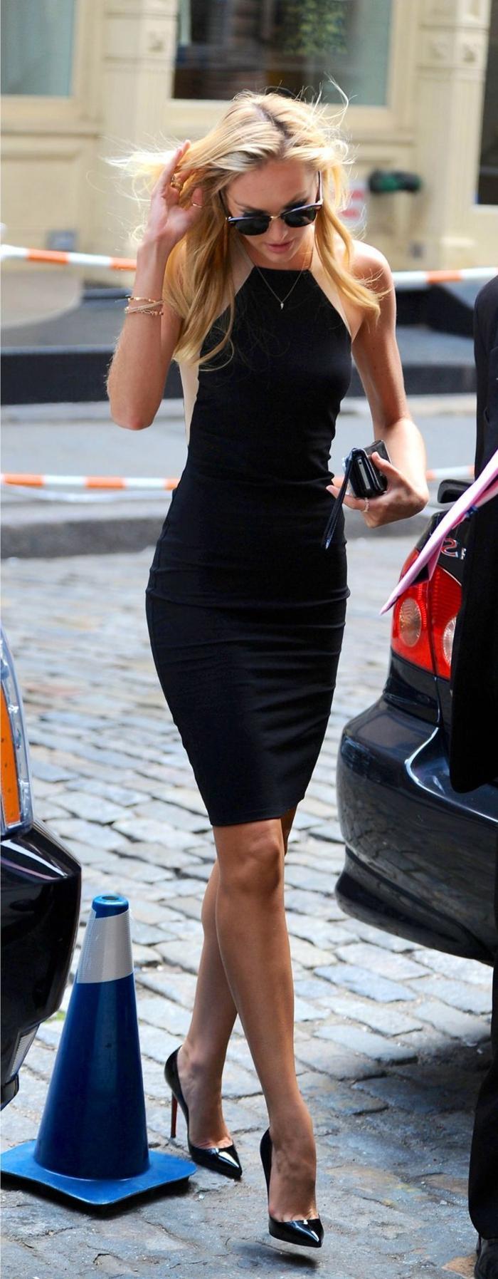 style-et-class-tenue-de-soirée-petit-robe-noire-chic-femme-comment-adopter-tenue-chic-femme