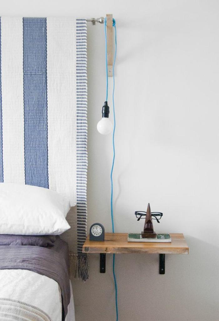 Installer une table de nuit suspendue pr s de son lit for Table de chevet casa