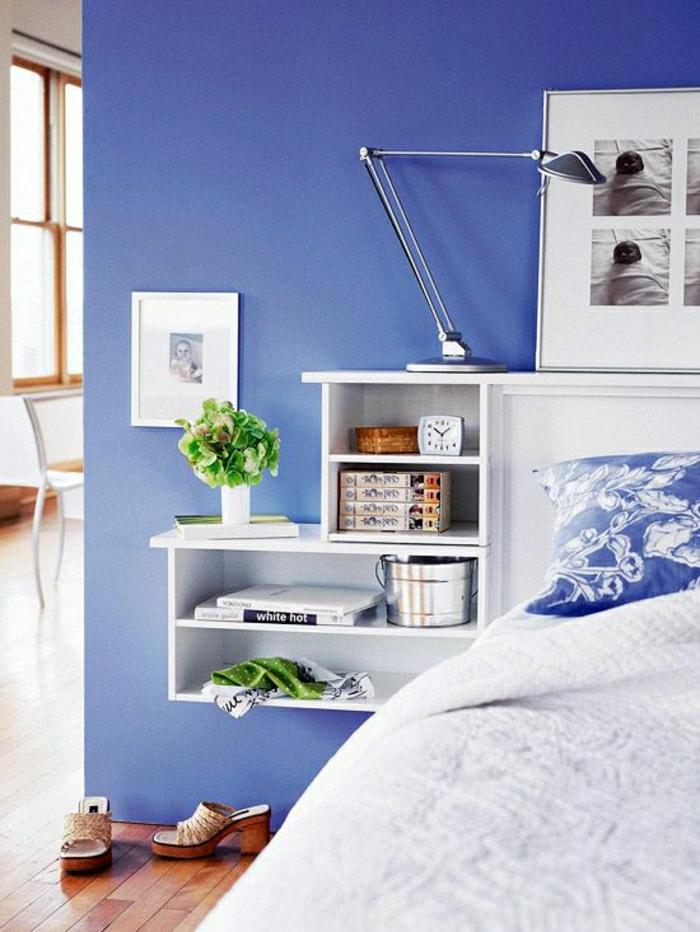 table-de-nuit-suspendue-rangement-flottant-blanc-près-du-lit