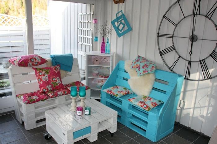 table-de-salon-en-palette-petit-salon-fait-avec-palettes