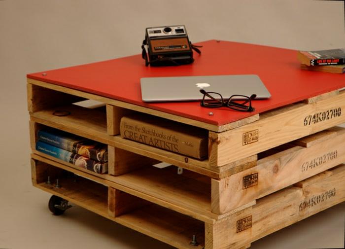 table-de-salon-en-palette-rangement-orignal-table-sur-roues