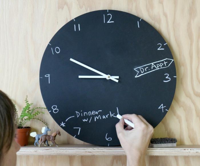 tableau-craie-mural-cadre-decoration-chevalet-ardoise-grand-tableau-noir-montre-organiser-son-temps
