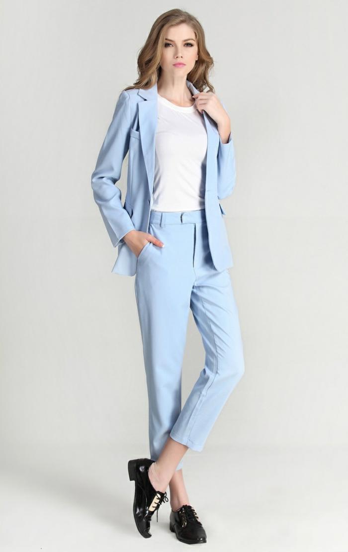 tailleur-pantalon-femme-chic-tailleurs-pantalon-femme-chic-tenue-stylée-bleu-claire