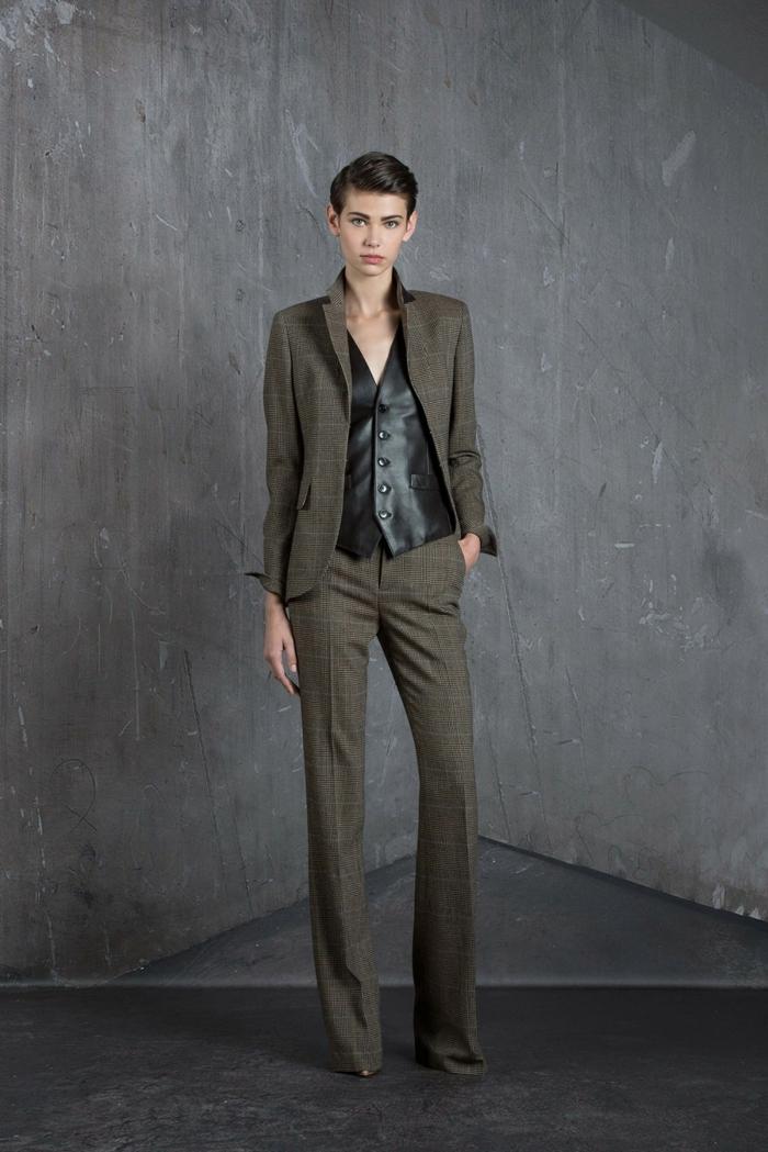 tailleur-pantalon-femme-chic-tailleurs-pantalon-femme-chic-tenue-stylée-zele