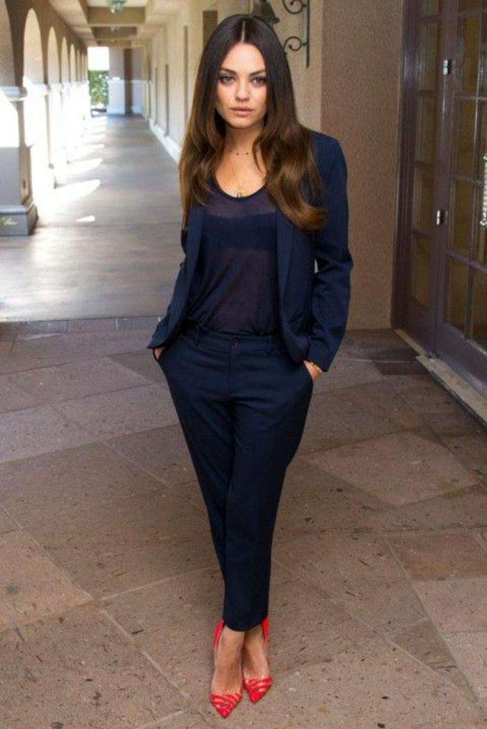 tailleur-pantalon-femme-tailleur-femme-pantalon-vetements-chic-mila-kunis-idée