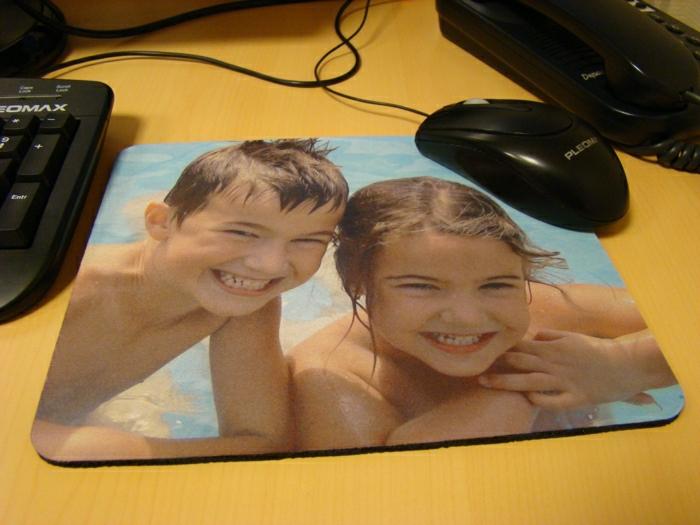 tapis-de-souris-personnalisé-pas-cher-design-avec-photos-originaux-famille-enfants