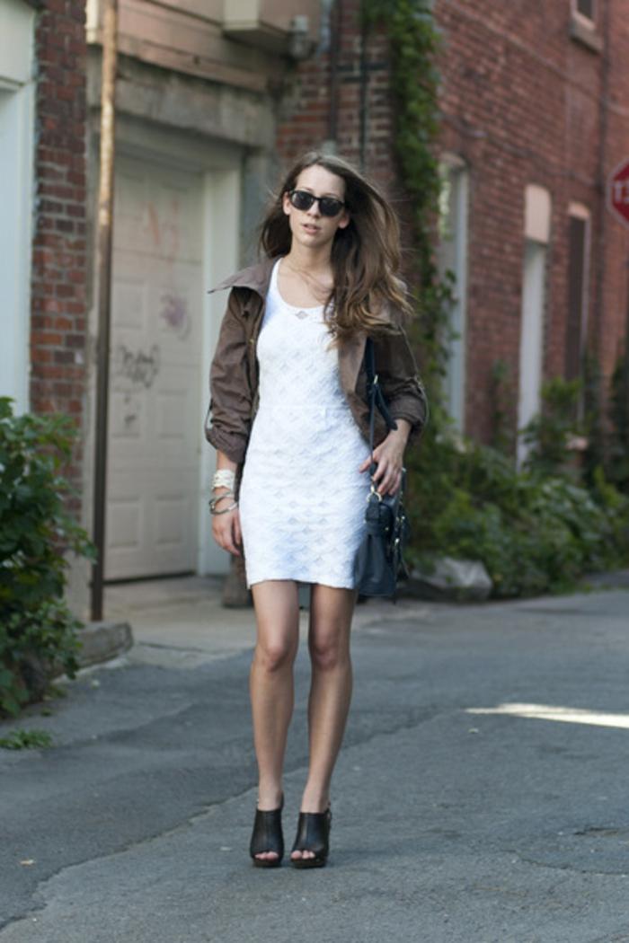 tenue-été-robe-en-dentelle-blanche-robe-blanche-dentelle-courte-tenue-huver-automne
